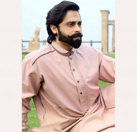 6e0fe011f1 Men's Kurta Collection 2019 - Buy Pakistani Designer Kurtas Online
