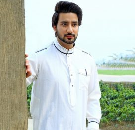 white kurta men pakistan